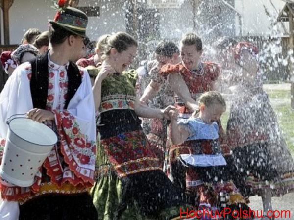 Великдень в Польщі 2018 вже не збіжиться по даті з православною Паскою
