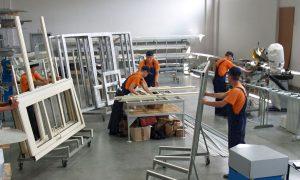 специалисты по изготовлению пластиковых окон