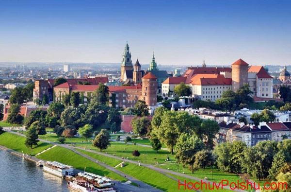 Польша – одна из самых лояльных стран Европы для украинцев