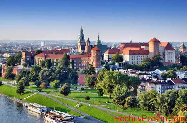 Краков является культурным и деловым центром в Польше