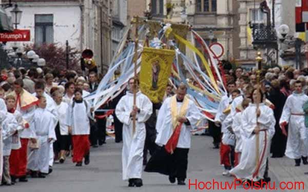 Польские власти учитывают внимание к культуре и традициям