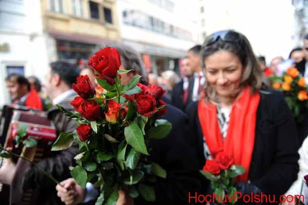 на честь святих:  Валентина