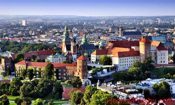 Польша – страна, в которой многие украинцы ищут возможность заработать