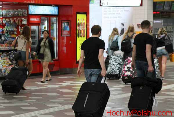 Зачем украинцы едут в Польшу на заработки?