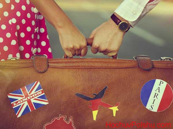 много людей выезжают за границу на постоянное трудоустройство