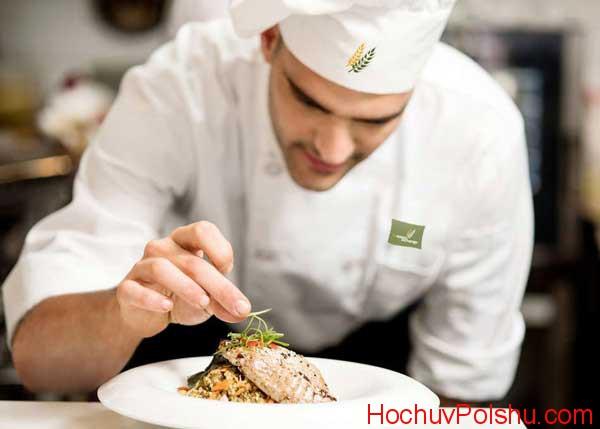 Одна из самых востребованных профессий – это повар